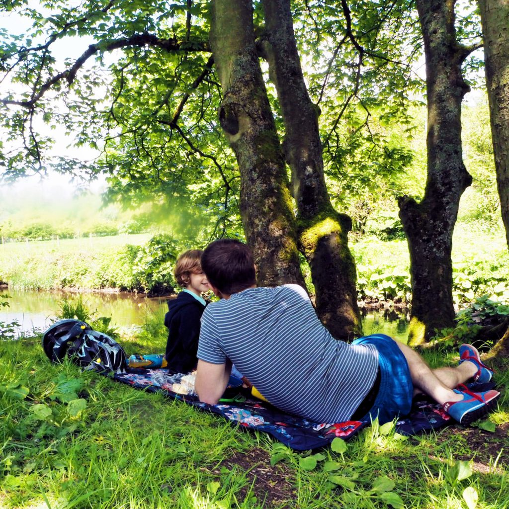 Life as our little family, Manifold Valley