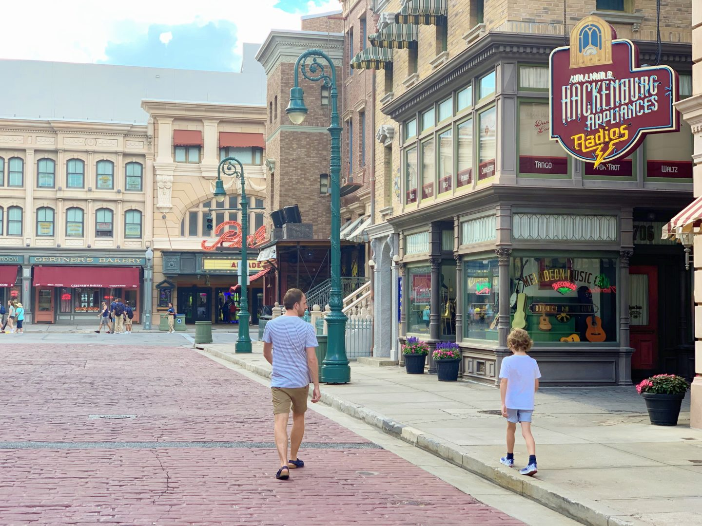 Is April a good time of year to visit Orlando Theme Parks?